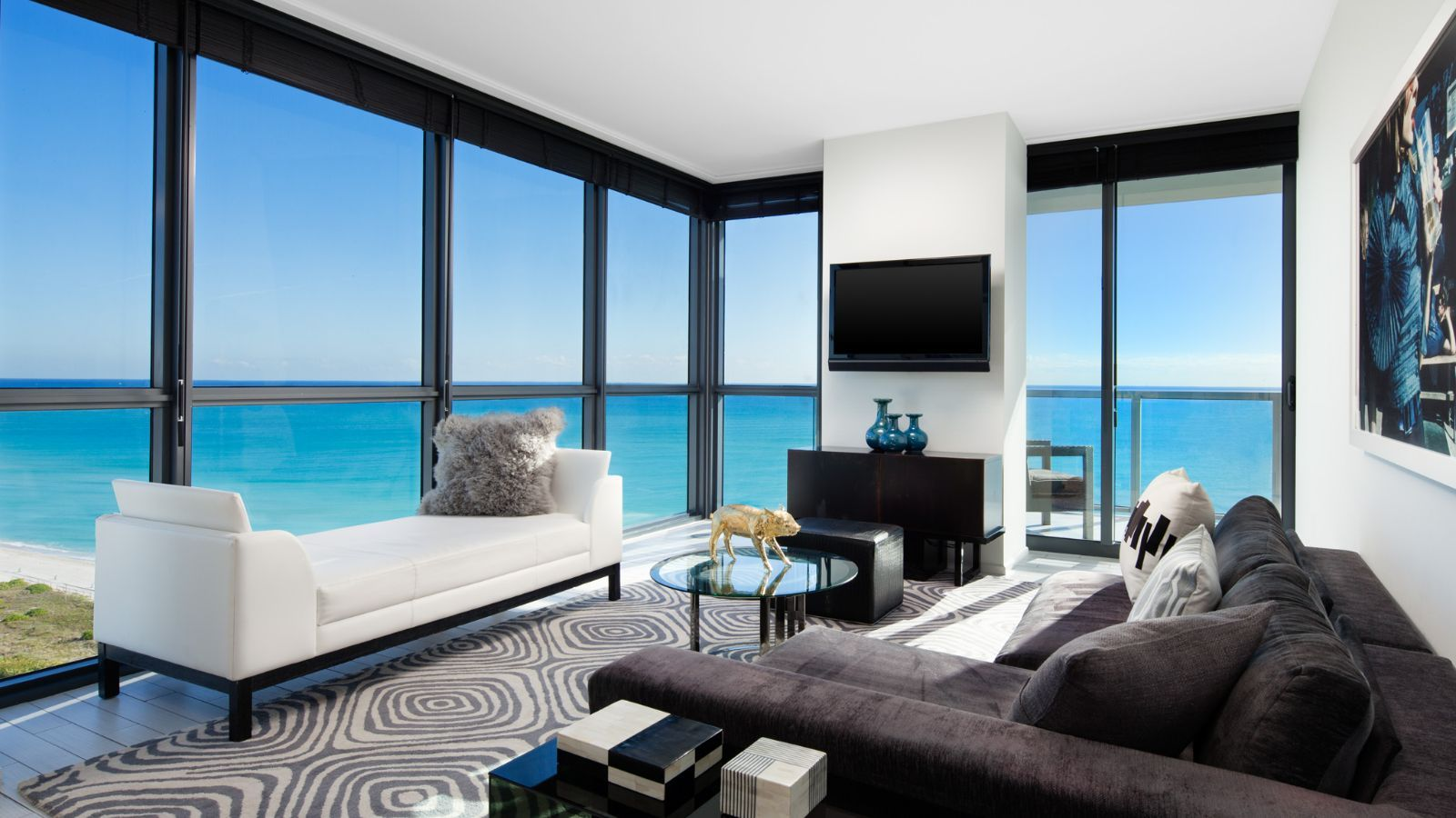 miami oceanfront hotels w south beach. Black Bedroom Furniture Sets. Home Design Ideas